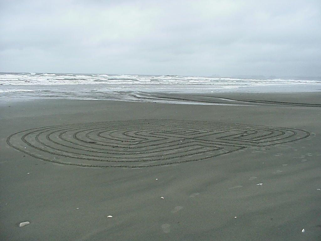 Long Beach labyrinth gross - (Boranka)